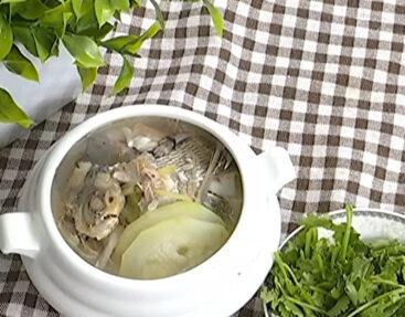 節瓜芫荽滾雜魚湯